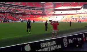 Jack Wilshere Applauds the Fans after Community Shield Victory [Video]