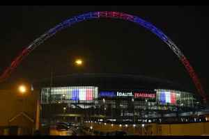 England Shows Solidarity With France! [Video]