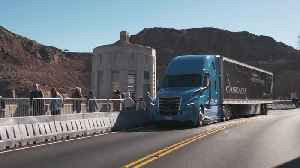 2019 CES Las Vegas - world premiere of the new Freightliner Cascadia [Video]