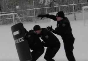Police Rush to Take Part in Snowball Fight Near Seattle [Video]