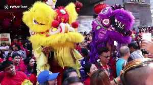 Tourists and locals enjoy colourful Chinese New Year celebrations in Manila [Video]