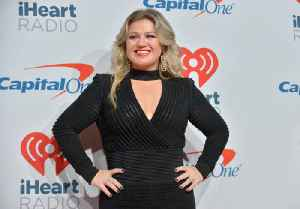 Kelly Clarkson learning to listen [Video]