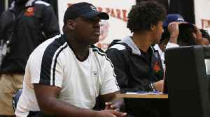 Jaquaze Sorrells signs with the University of South Carolina [Video]