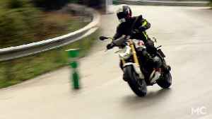 2015 BMW R1200R | FIRST RIDE VIDEO REVIEW [Video]