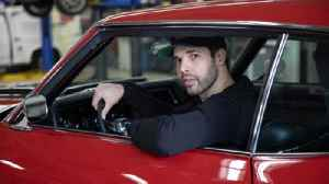 Take a ride in a 1970 Chevy Chevelle with Blackhawks' Corey Crawford [Video]