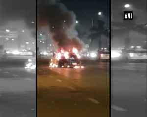 Car catches fire on Eastern Expressway in Mumbai [Video]