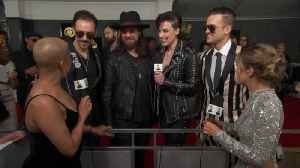 News video: Halestorm Are Living Their Best Lives On The GRAMMYs Red Carpet