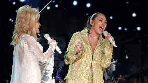 Dolly Parton Gets Tribute At 2019 Grammy Awards [Video]