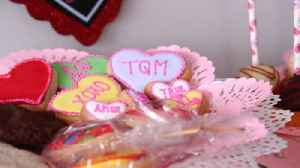 News video: A mother-daughter owned business fuses Mexican flavors into cupcakes and other sweets
