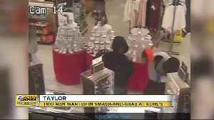 Men wanted in smash-and-grab at Taylor Kohl's [Video]