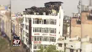 News video: At least 17 dead in New Delhi hotel fire