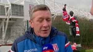 Stoke fans pay tribute to Banks [Video]
