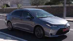2019 Toyota Corolla Saloon in Grey Driving in Barcelona [Video]