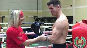Husband and wife team prepare for boxing debut [Video]