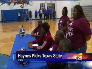 Edna Football Star Signs With Texas State [Video]