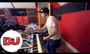 Beardyman's incredible live studio jam with the Beardytron 5000mk2 [Video]