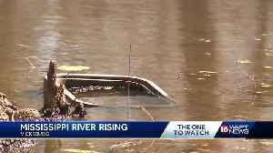 Preps underway as Mississippi River approaches flood levels [Video]