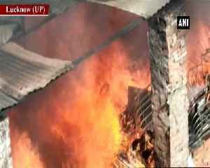 Massive fire breaks out in furniture godown in Lucknow [Video]