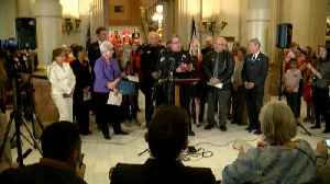Full news conference: Colorado Democrats, law enforcement officers unveil new red flag gun violence bill [Video]