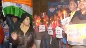 Pulwama Attack : Indian Citizens holds protest against Pakistan | Oneindia News [Video]