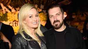 Holly Madison Responds to Estranged Husband's Divorce, Both Want it Wrapped Up ASAP [Video]