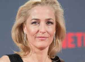 News video: Gillian Anderson admits she had 'beautiful young nanny' doubts