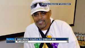 Milwaukee man given new heart in transplant helps young people realize their dreams [Video]