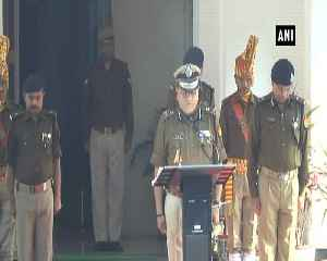 Lucknow DGP pays homage to CRPF Personnel [Video]