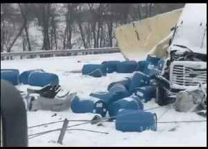 Debris Scattered Across Interstate 70 in Missouri Following Multi-Vehicle Pile-Up [Video]