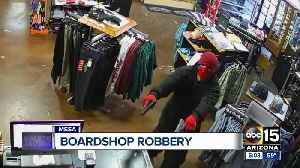 Police looking for suspects in Mesa board shop robbery [Video]