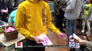Special education students from EACS delivers Valentines to Parkview patients [Video]
