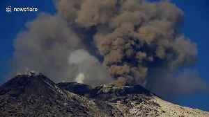 Italy's Mount Etna eruption forces partial closure of Catania airport [Video]