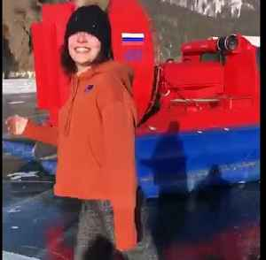 Gold medalist ice skater practices on frozen lake in Russia [Video]