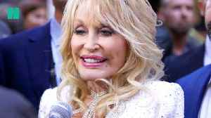 Dolly Parton Attends UK Premiere Of '9 to 5 The Musical' [Video]