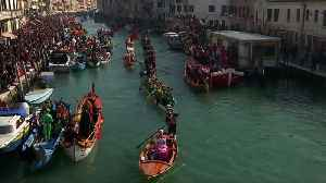 Princesses and pirates on the Cannaregio Canal for Venice Carnival boat parade [Video]