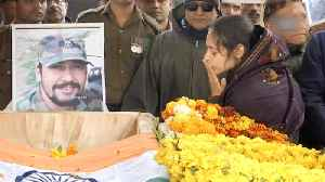 'I love you,' says wife of Pulwama martyr in heartbreaking farewell [Video]