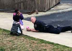 Virginia Police Officer Takes Time to Play With Neighborhood Kids [Video]