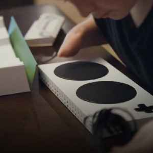 XBox's adaptive controller allows people with disabilities to play any game [Video]
