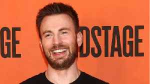 Chris Evans Pays Homage To Dogs On Twitter [Video]