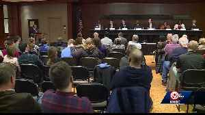 Mayoral candidates take part in debate at downtown library [Video]