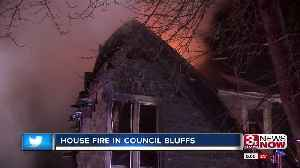 Family gets out safe after house fire [Video]