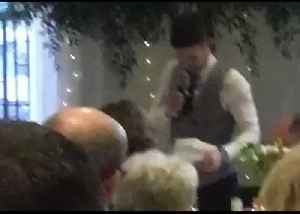 Groom Dedicates Wedding Speech to Leeds United Manager Marcelo Bielsa [Video]