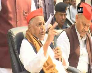Mulayam Singh takes a dig at son Akhilesh, questions SP BSP alliance [Video]