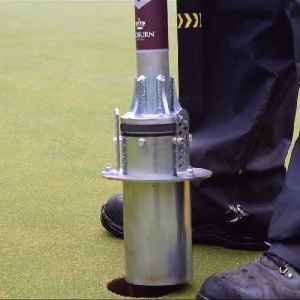 This gadget for making golf holes is awesome [Video]