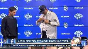 Manny Machado officially becomes a Padre [Video]