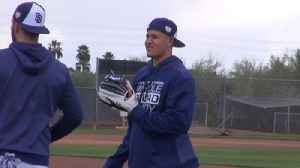 Three things that stood out from Machado's first day with the Padres [Video]