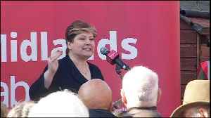 Emily Thornberry criticises the eight MPs for leaving Labour [Video]