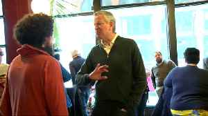 NYC's de Blasio visits Iowa to weigh 2020 bid [Video]