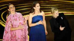 Maya Rudolph, Tina Fey and Amy Poehler Reunite to Open 2019 Oscars | THR News [Video]