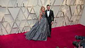 Right Now: Kelly Ripa and Mark Consuelos 2019 Oscars Red Carpet [Video]